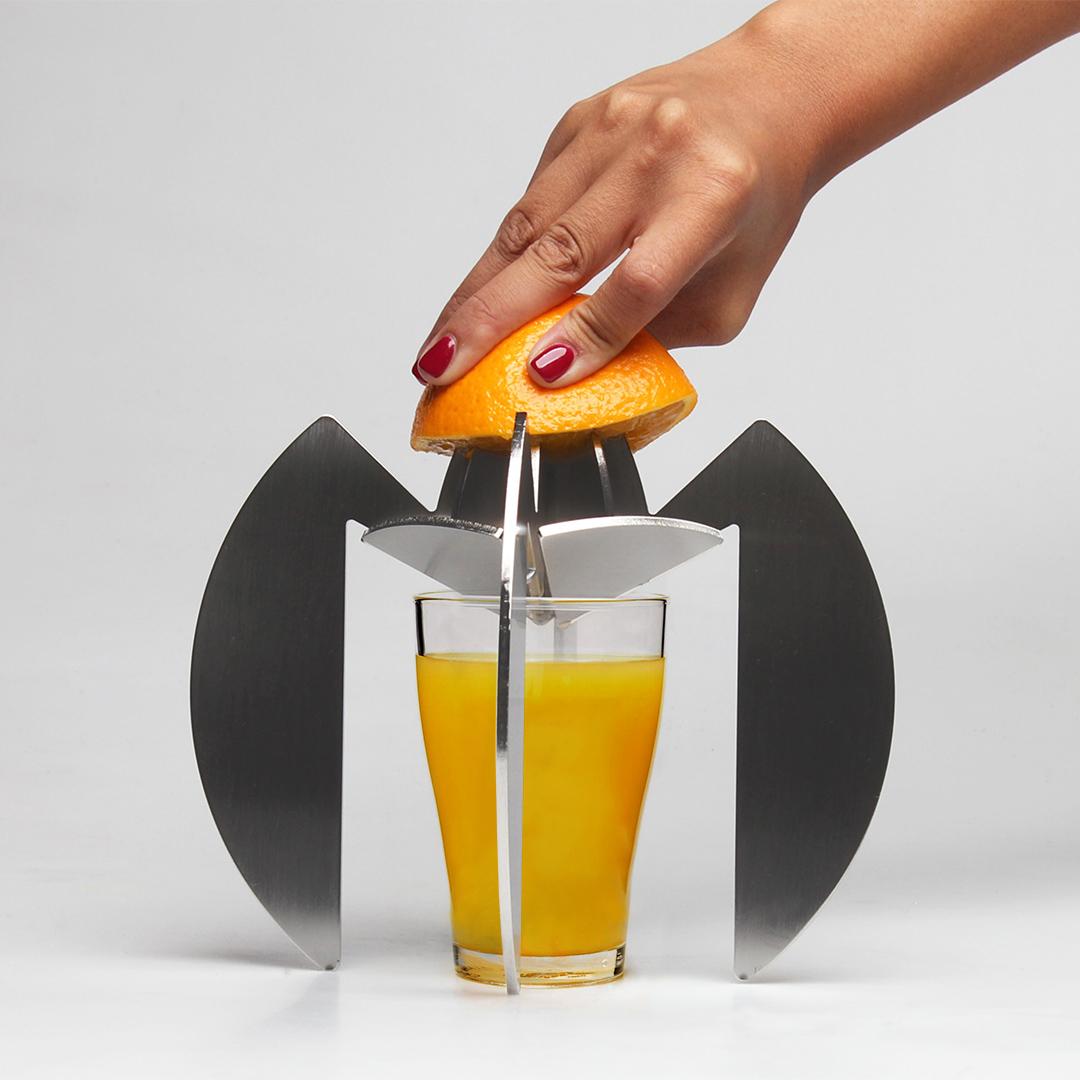 Spremiagrumi in acciaio con aranciata