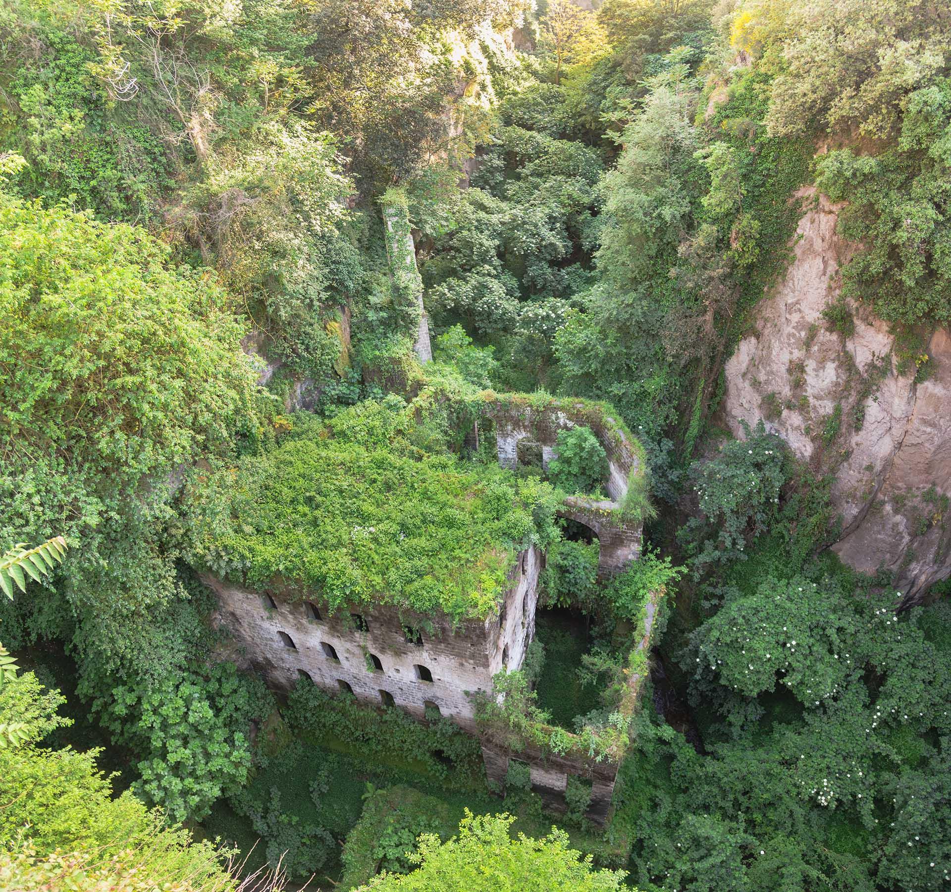 Vallone dei Mulini di Sorrento visto verso il parco Ibsen